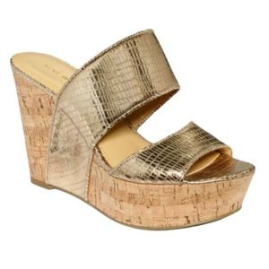 Nine West Larysa Platform Gold Wedges in 8.5M
